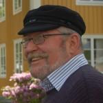 Anders Carlberg utanför församlingshemmet